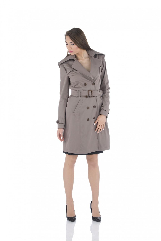 Water repellent trench coat in beige