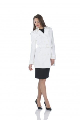 Water repellent trench coat in white