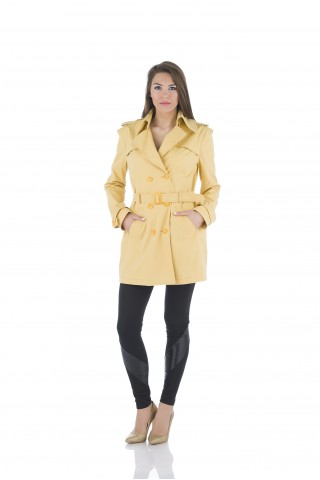 Water repellent trench coat in yellow