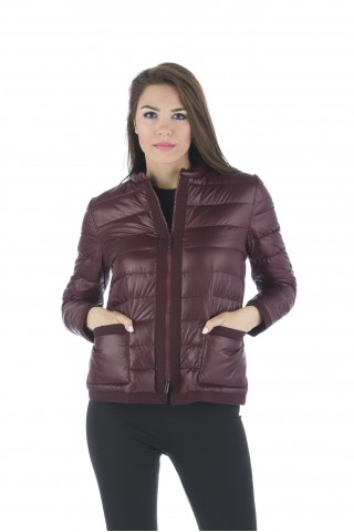 Light down jacket filled with goose down in bordeaux