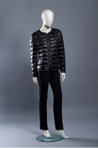 Lightweight feather jacket with zip and 4 pockets