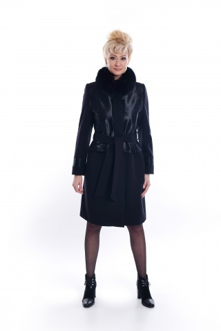 Classic, wool coat with pony leather and fox collar