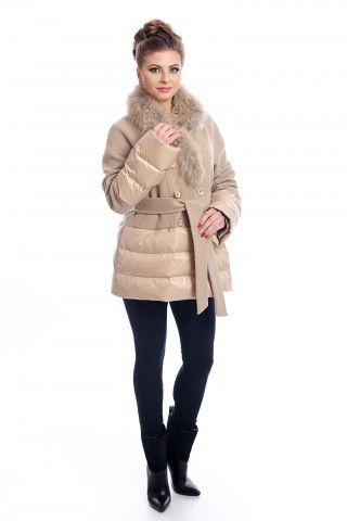 Short, beige coat with fox collar