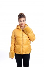 Short, yellow down jacket with rabbit fur on the hood