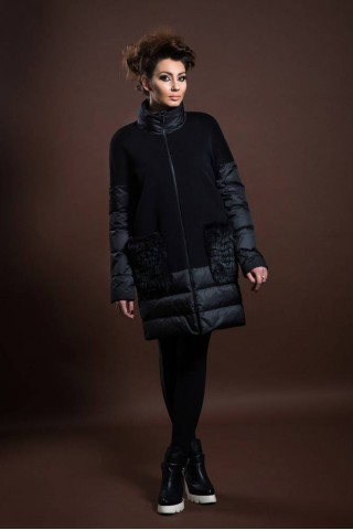 Wool coat with downhill stuff
