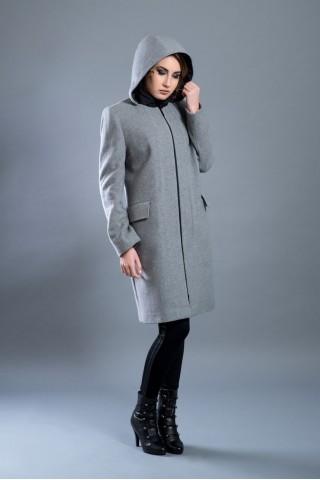 Hooded wool coat with zipper