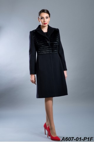 Wool coat with lapel and rabbit trim